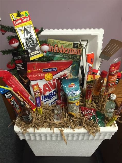 30 awesome fathers day gift basket ideas for men basket