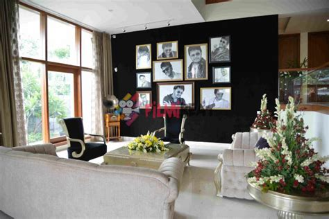 actor ganesh house in rr nagar inside photos of golden star ganesh house photos 698218