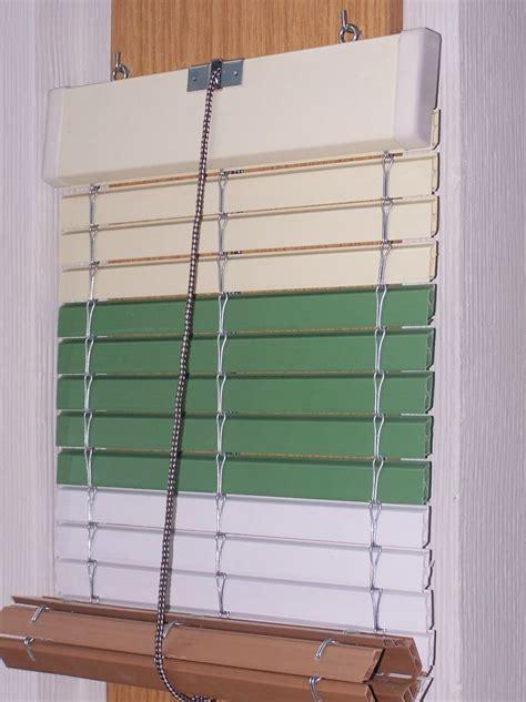 persiana madera enrollable persiana enrollable cadenilla pvc y madera cat 225 logo de