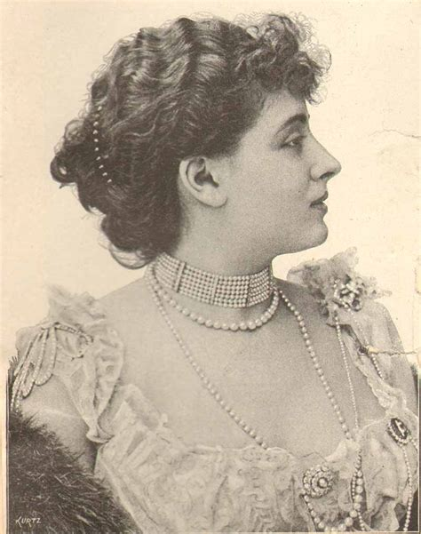 1800s hairstyles women with long hair 1890s hairstyles and jewelry in photos vintage victorian