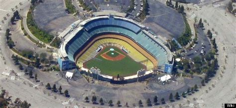 dodgers parking lots frank mccourt owns    area heres   means