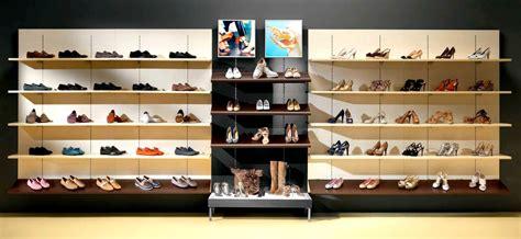 negozi informatica pavia arredamento profumeria calzature casalinghi regalo micro