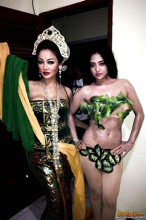 film nyi roro kidul di indosiar foto berbusana daun dewi perssik super seksi berdarah
