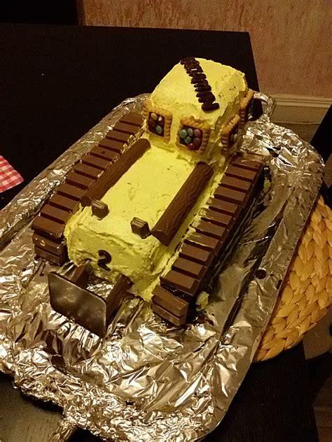 bagger kuchen selber machen bagger planierraupe kuchen f 252 r den kindergeburtstag