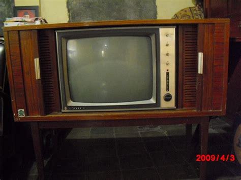 betrak betruk antik televisi jaman dulu