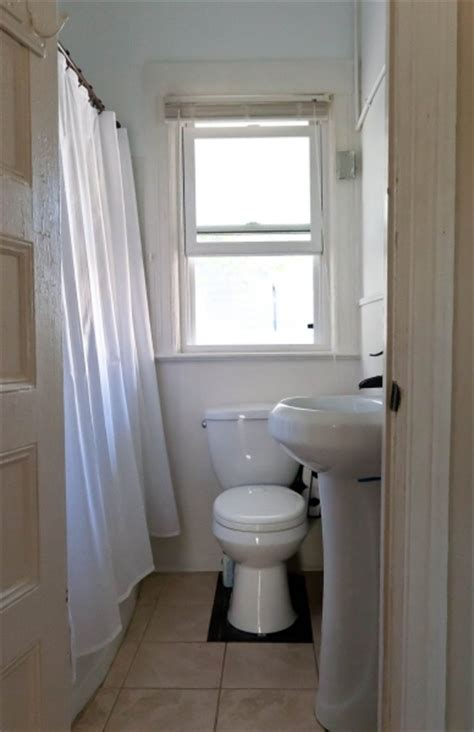 Idea For Small Bathroom very tiny bathrooms small room decorating ideas small