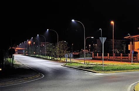 imagenes de luminarias urbanas ciudades del mundo iluminadas con luces led