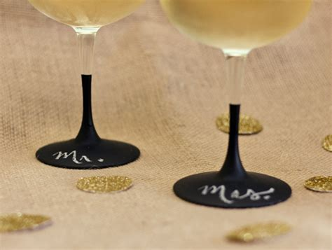 diy chalk paint wine glasses diy chalkboard wine glasses hearts