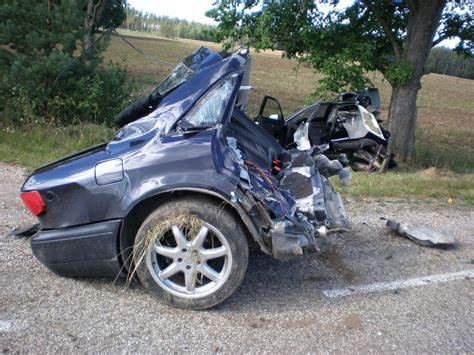 fatal car accident  pictures  bad wrecks