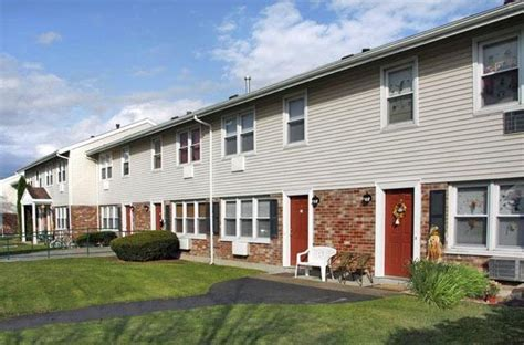 Section 8 Housing Rhode Island by Oxbow Farms 80 Rogers Ln Middletown Ri 02842