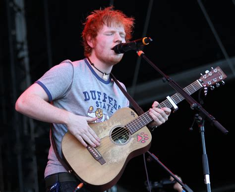 ed sheeran guitar ed sheeran s guitars and gear groundguitar