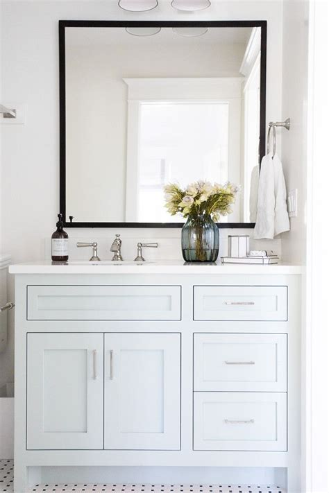White Vanities For Small Bathrooms Best 25 White Vanity Bathroom Ideas On Pinterest White Bathroom Cabinets Bathroom