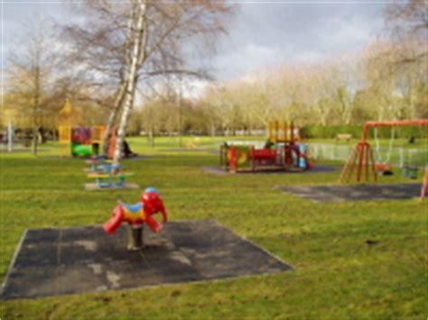 swing gate lane berkhamsted play areas