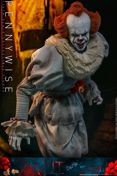 pennywise  chapter   sixth scale figure  hot toys