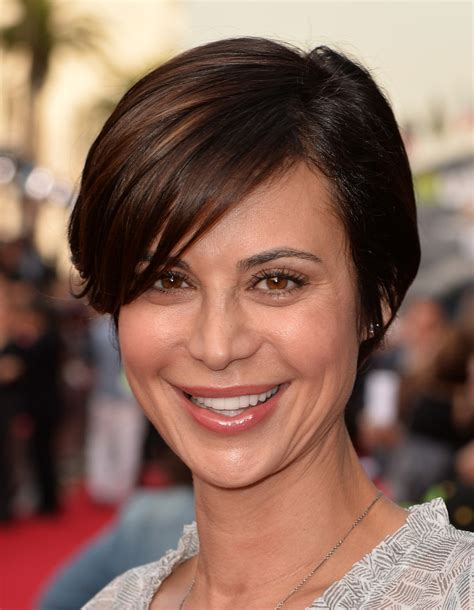 very short side parted hairstyle pictures catherine bell side parted straight cut catherine bell