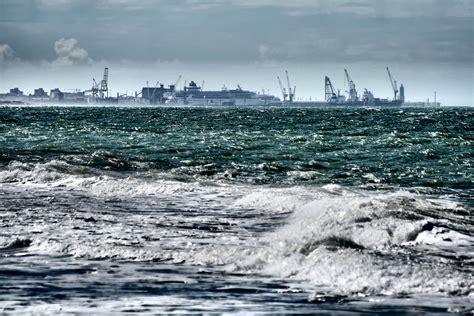 porto di livorno il porto di livorno foto immagini noi e il mare