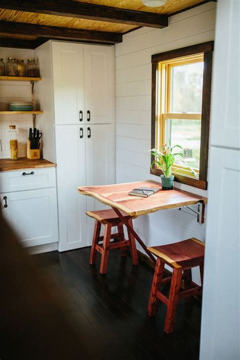 folding tables perfect  small spaces