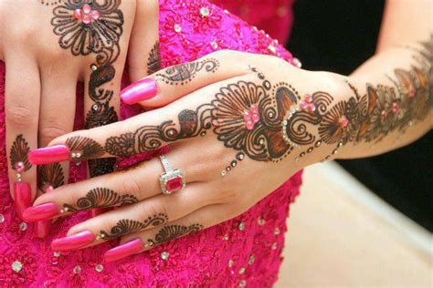 designing the beautiful most beautiful mehndi designs