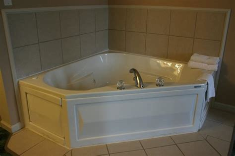 2 person jacuzzi bathtub 2 person jacuzzi tub suite picture of hardy s spring