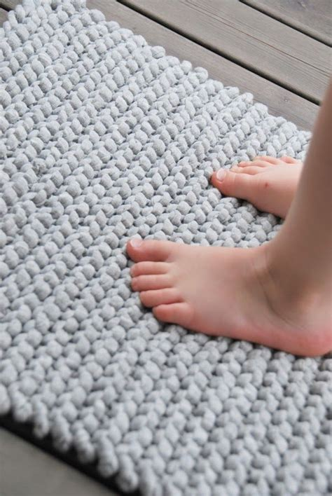 knitted t shirt rug pattern simple rug with zpagetti yarn amazingly diy