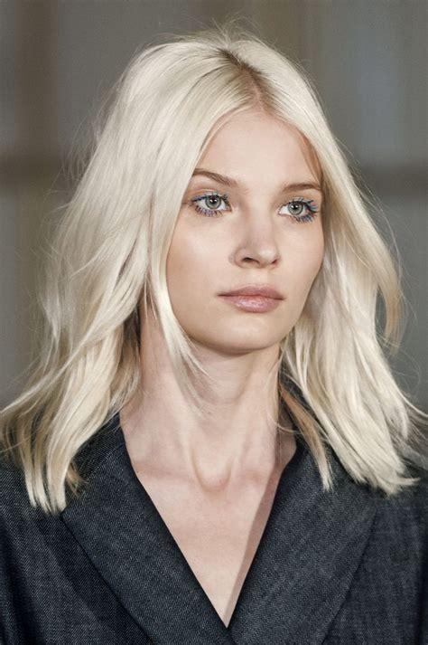 hairstyles platinum blonde 25 best ideas about platinum blonde hair on pinterest