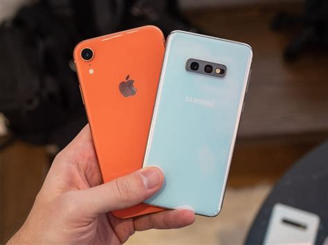 galaxy se  iphone xr    buy android