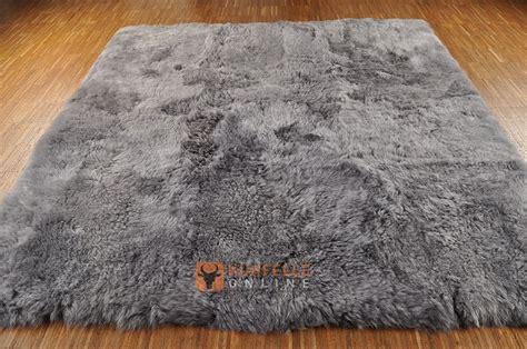 lammfell teppich 214 ko lammfell teppich grau gef 228 rbt 180 x 155 cm kuhfelle