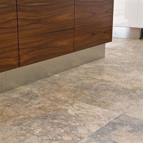 pavimenti in cucina pavimento cucina pavimento per la casa scegliere il