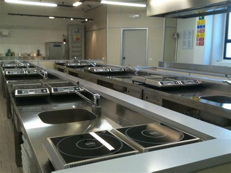 laboratorio di cucina a scuola e attivo il nuovo laboratorio di cucina cescot firenze srl