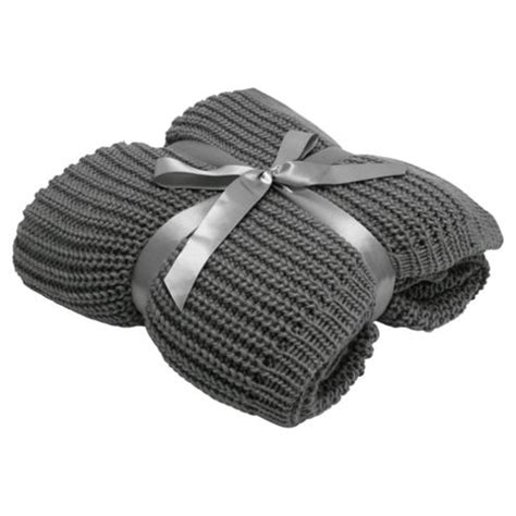 chunky knit grey throw buy tesco chunky knit throw grey from our blankets