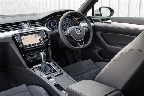 volkswagen passat 2016 interior volkswagen passat gte 2016 uk review pictures auto
