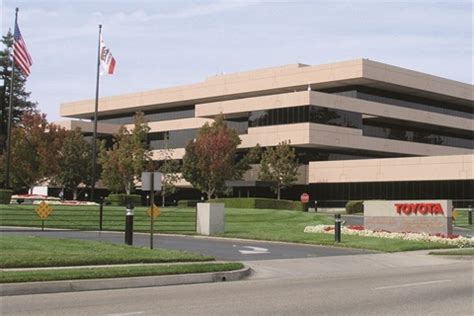 Toyota Headquarters Los Angeles We Re Not Dead Yet On The Point Auto Dealer Today