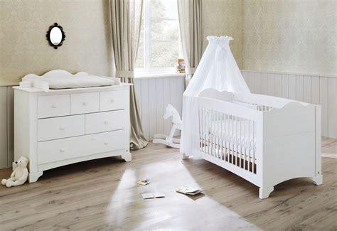 chambre bebe bois blanc pack chambre b 233 b 233 lit 233 volutif et commode 224 langer bois