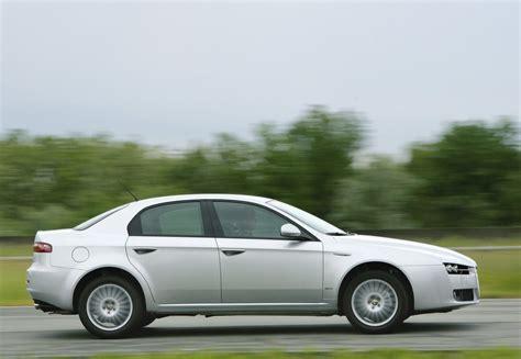 alfa romeo sedans alfa romeo 159 sedans 2005 2008 atsauksmes tehniskie