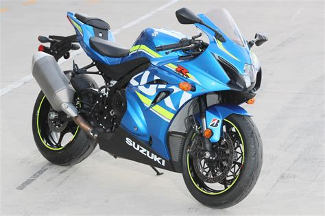 Suzuki Gsxr Review 2017 Suzuki Gsx R1000 Review 18 Fast Facts