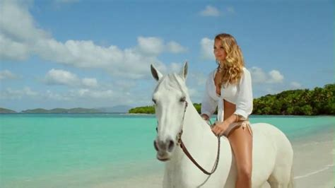 direct tv commercial actress on horse directv tv commercial hannah davis riding her horse