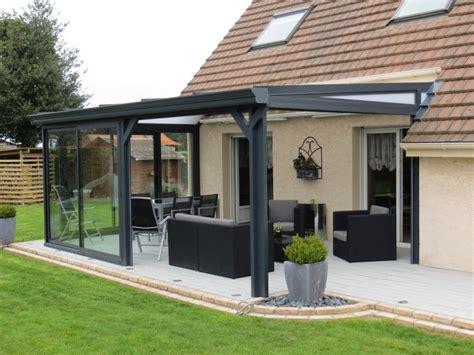 aluminium veranda veranda pergola en aluminium gris et stores pergolas