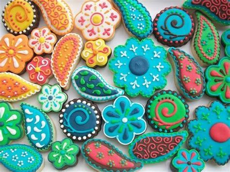 sugar cookie decorating idea sugar cookie decorating ideas paisley just look at the