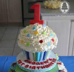 cupcake birthday cake cake expectations www cakeexpectations ca 187 cupcakes