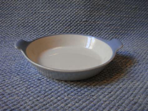 Kulot Emilya 1 sinivalko munakasvuoka arabian vanhat astiat wanhat