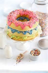 donuts kuchen 25 best ideas about donut cakes on doughnut