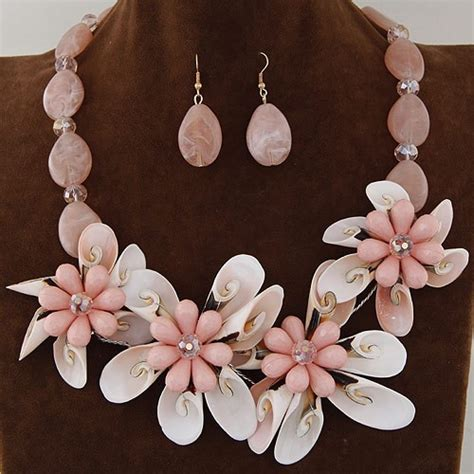 Sale Kalung Korea Two Flower Pattern Decorated Shape Perfume Bot seashell and flower theme dimensional fashion necklace and earrings set pink