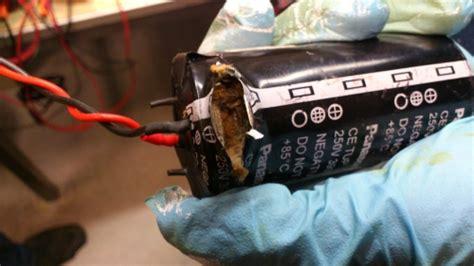 capacitors explode capacitor explode 28 images o capacitor eletrol 205 tico explode ent 195 o confira