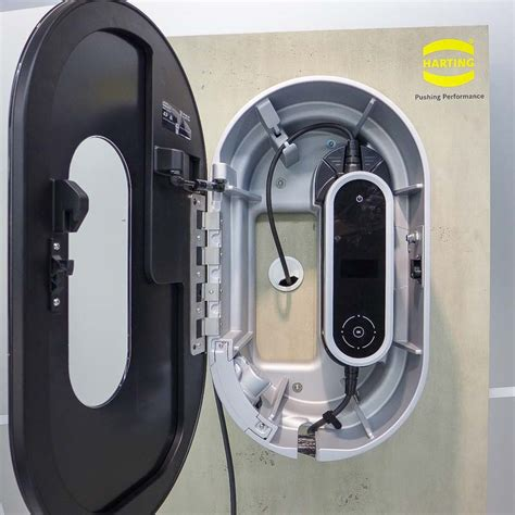 Charging Caddy by Hannover Messe 2014 Aqqu
