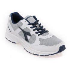 Sepatu Casual Sporty Diadora Vertu jual sepatu pakaian olahraga pria lazada co id