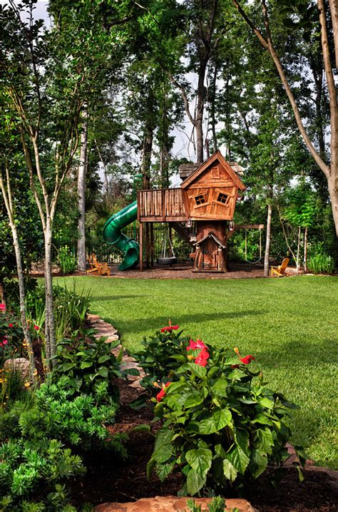 Backyard Treehouses by 10 Playgrounds And Treehouses For Your Backyard
