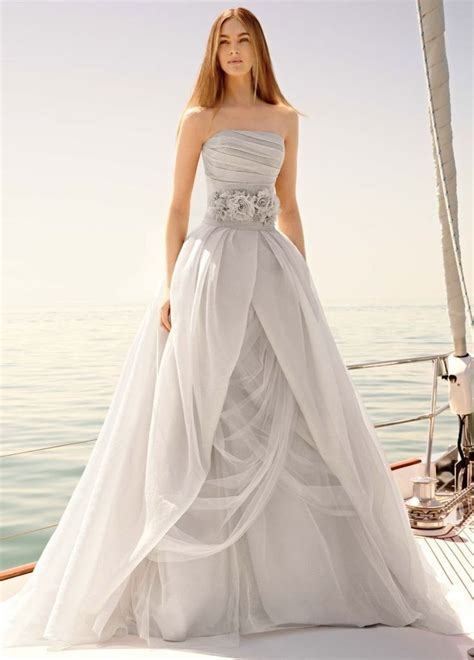 vera wang wedding dress vera wang wedding dresses that inspire modwedding