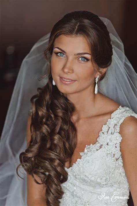 half up wavy wedding hairstyle with veil deer pearl flowers