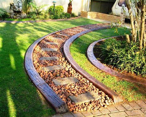 Creative Garden Edging Ideas I Love Homes Decorative Garden Edging Ideas