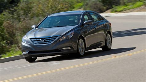 Recall On Hyundai Sonata by Hyundai Recalls 1 Million Sonatas For Seat Belts That